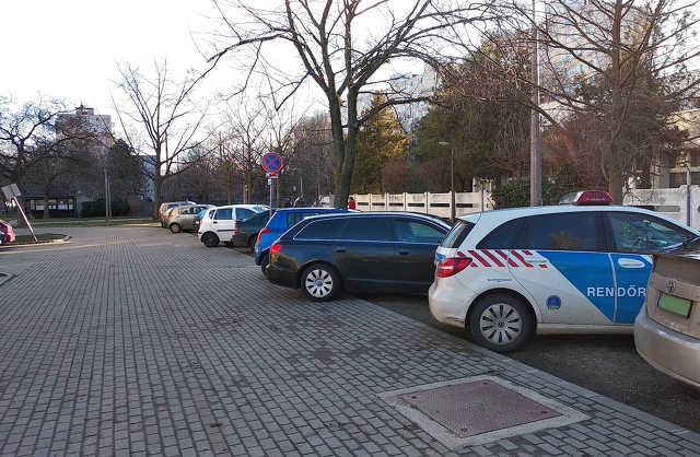 parkolás - közlekedés