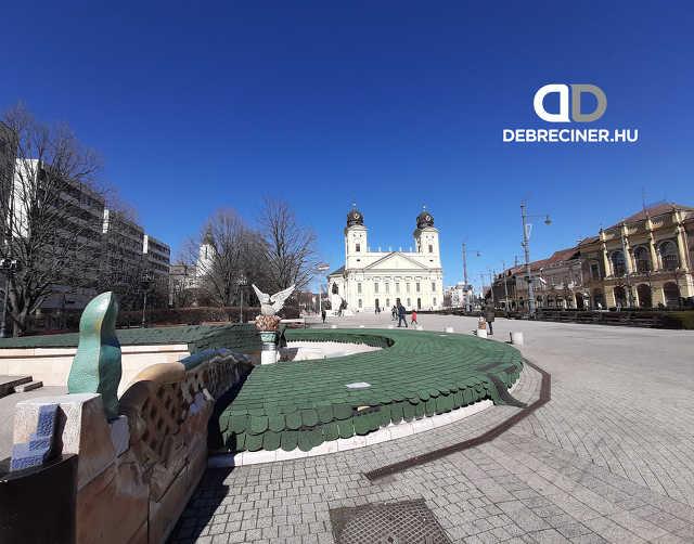 Nagytemplom - belváros - Kossuth tér