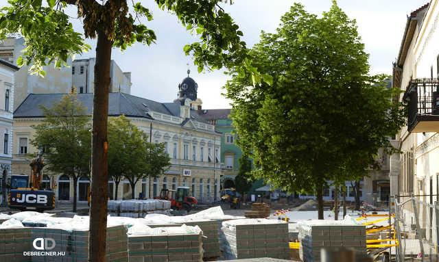 A Dósa nádor tér és a Csapó utca eleje sétálósítási munkálatai – 2020. május 26.