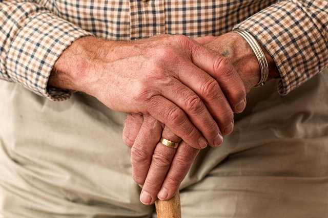 bot - öreg - idős