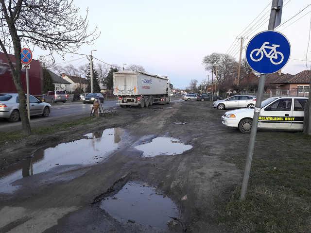 Sámsoni út - közlekedés - kátyú - kerékpárút