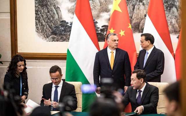 Orbán Viktor Pekingben