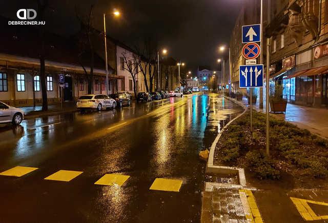 Piac utca - eső - belváros