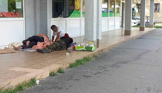 hajléktalan - Petőfi tér