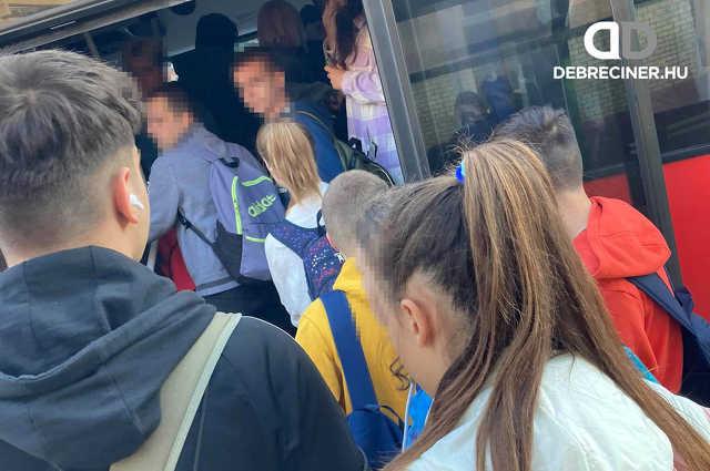közlekedés - autóbusz - Polgár