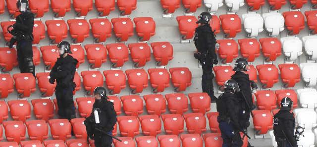 rendőrség - DVSC - Nagyerdei Stadion - Torino