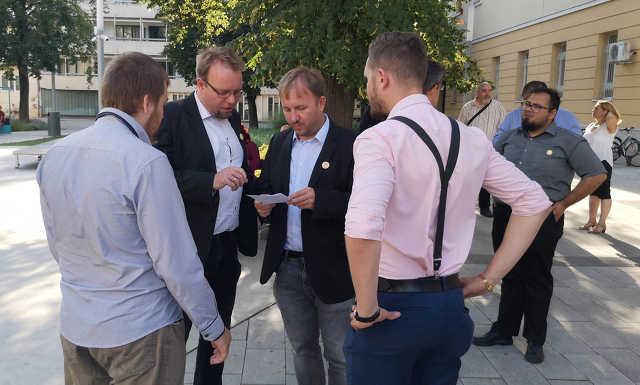 Momentum, Jobbik, LMP, Kőszeghy Csanád Ábel