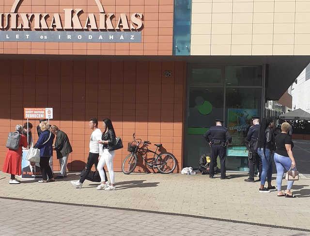 hajléktalan - rendőr - választás - Fidesz